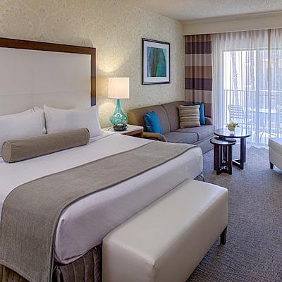 Crowne-Plaza-Resort-Room-Square